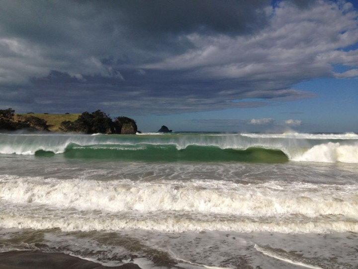 Cyclone Pam swell at McGregors Bay